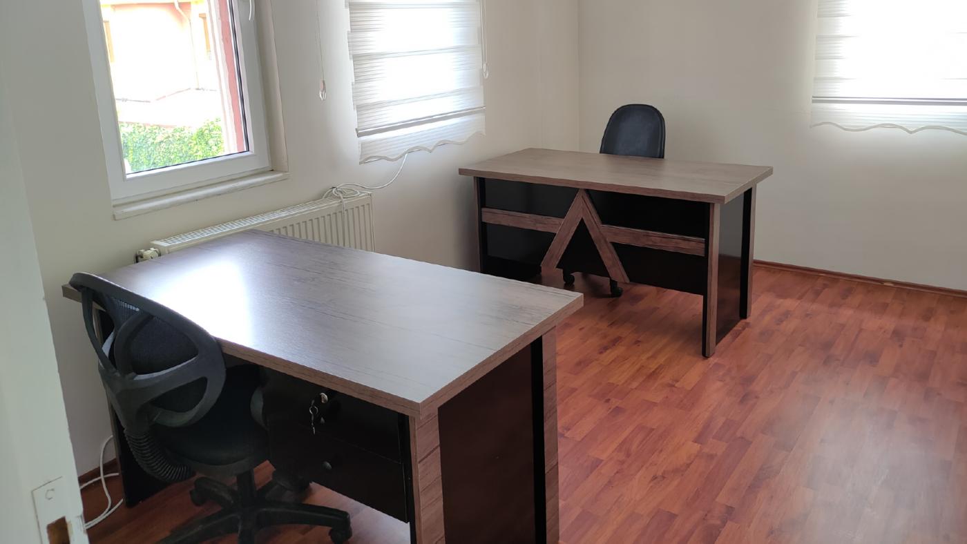 RiseTime Ofisi Stajyer Odası